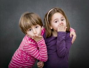 bambini-bacio