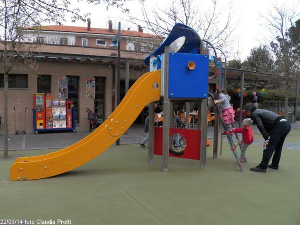 parco-bambini-disabili-scivolo