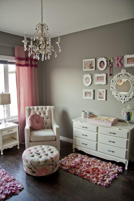 colore cameretta rosa grigio lampadario chandelier