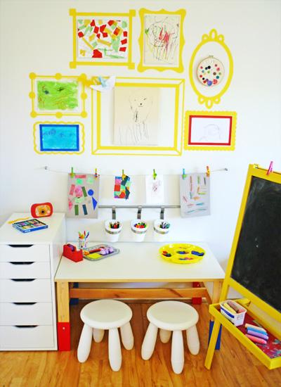 angolo creativo bambini cornici gialle