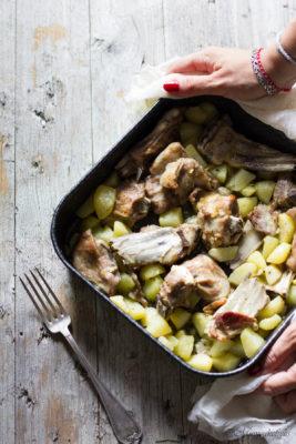 ricetta dell'agnello al forno con patate